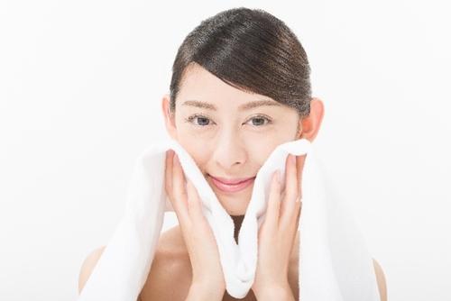 スチーム洗顔のやり方は?簡単に蒸しタオルを作る方法や効果的なケアをご紹介