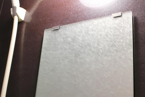 鏡のうろこ汚れを落とす方法